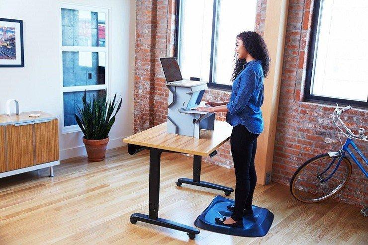 Todo lo que necesitas para crear una oficina ergonómica en casa